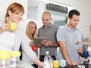 Persönliche Gespräche in der Kaffeeküche