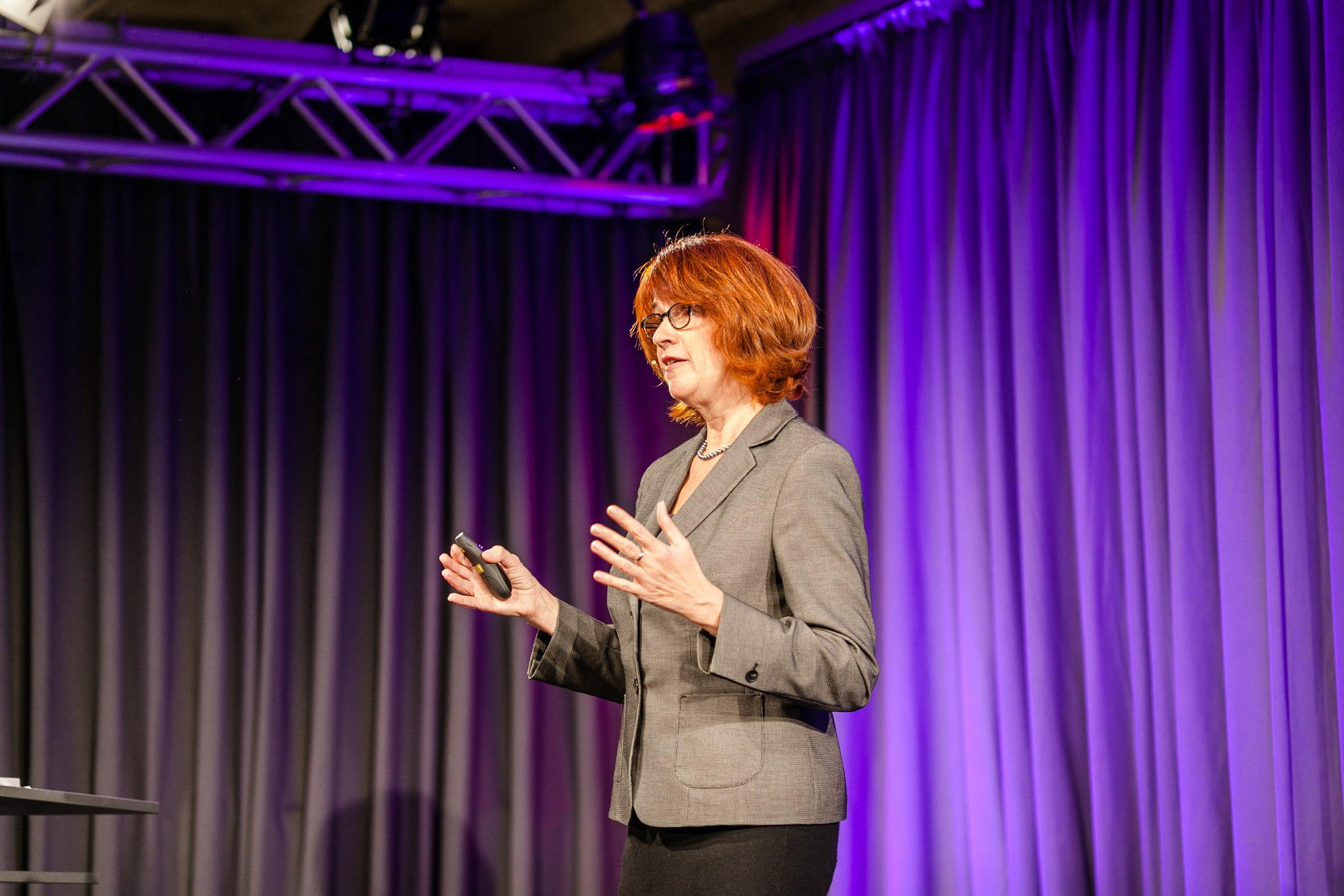 Keynote Speeches und Vorträge virtuelle Teams