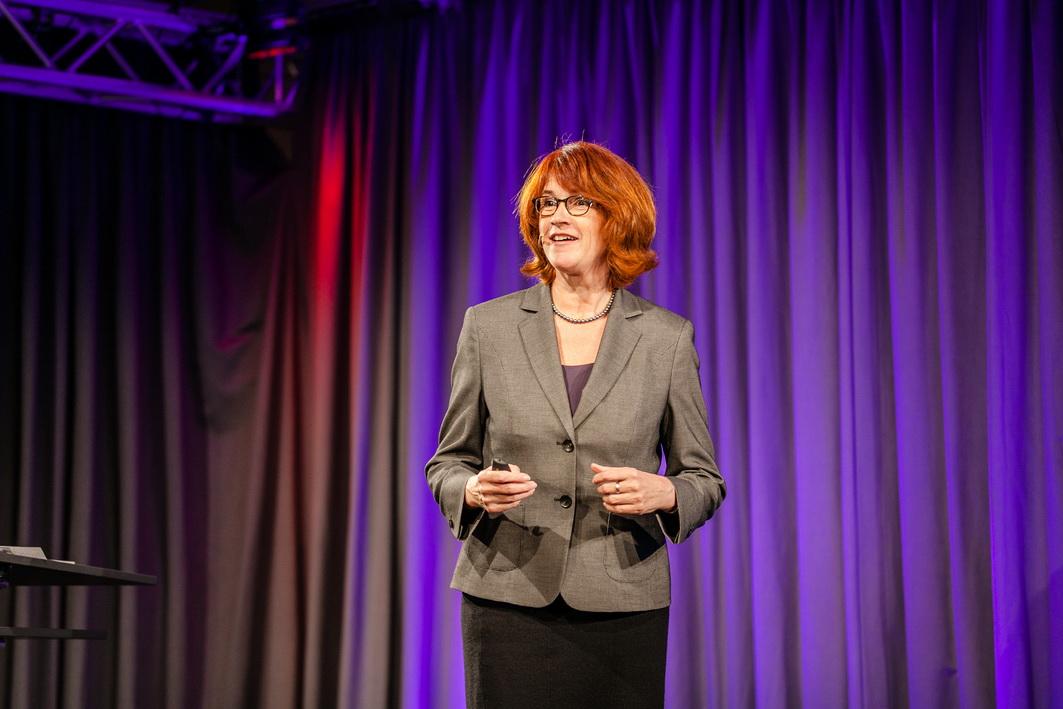 Vortrag virtuelle Teams Gudrun Hoehne