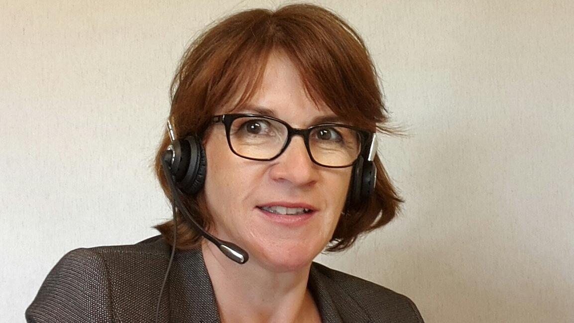 Webinar virtuelle Teams fuehren - Gudrun Hoehne mit Headset